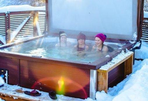 Jacuzzi® hot tubs - ProPatio on